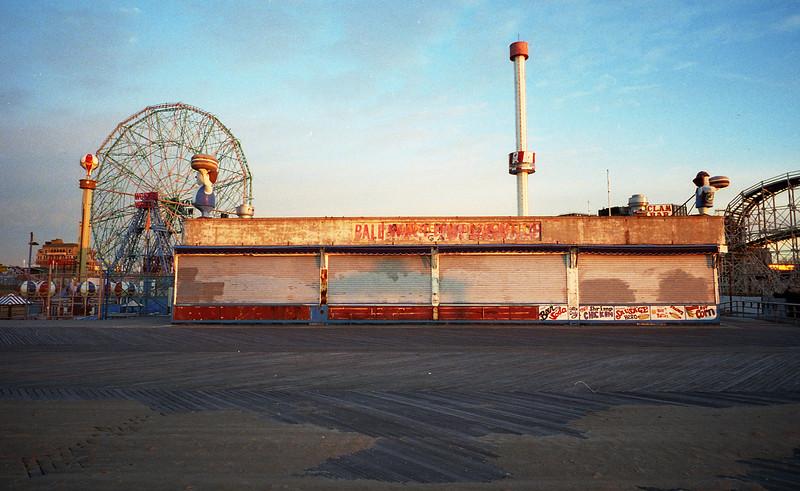 Coney-Island-Kodak-gold-010f.jpg