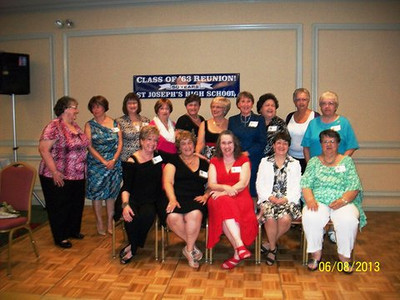Girls Class of 1963.JPG