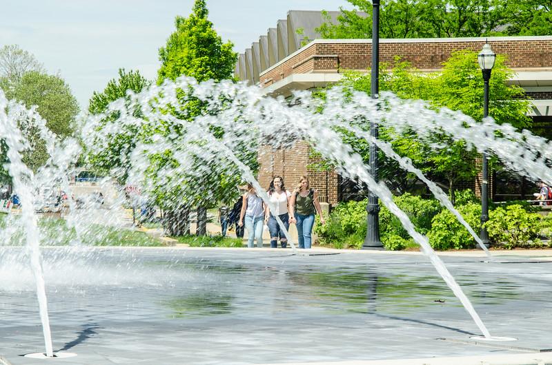 05-07-19 Campus Scenes 02_DSC8100.jpg