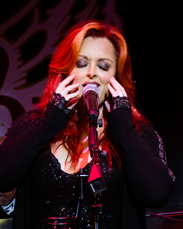 Wynonna and Big Noise