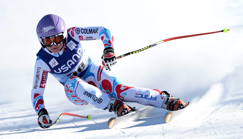 . Skier Tessa Worley, of France, takes a turn during the women\'s Super-G race at the FIS World Cup Alpine Skiing in Beaver Creek, Colorado, USA, 30 November 2013.  EPA/JUSTIN LANE