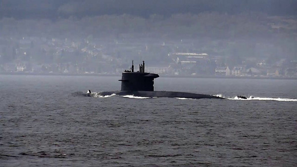 Submarines - Video