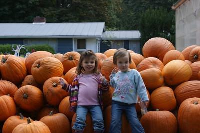 Mia at Remlinger Farms: Sept 09