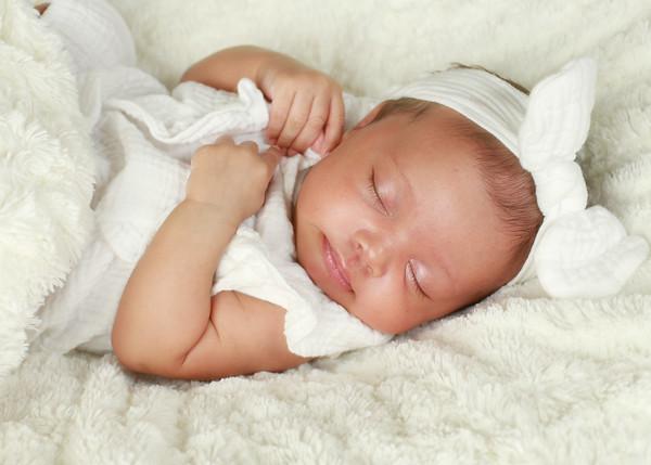 Lindsey newborn