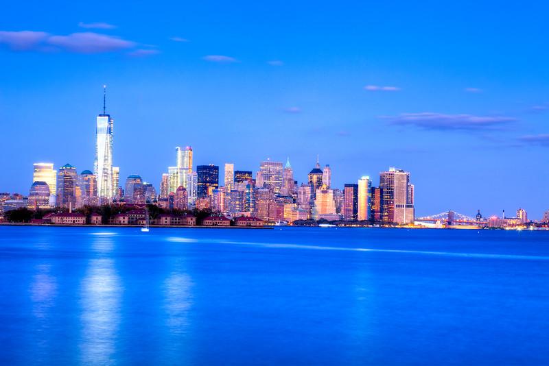 4002 Manhattan