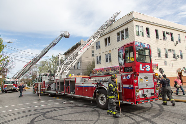Paterson NJ 2nd alarm, 462 10th Ave. 04-17-17