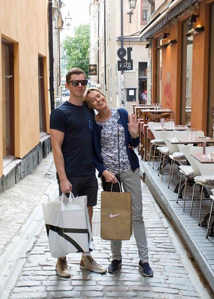 20160718 Stockholm - Janet & Luke shopping 856 g.jpg