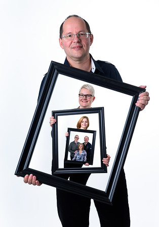 Flo Christmas Family Portraits