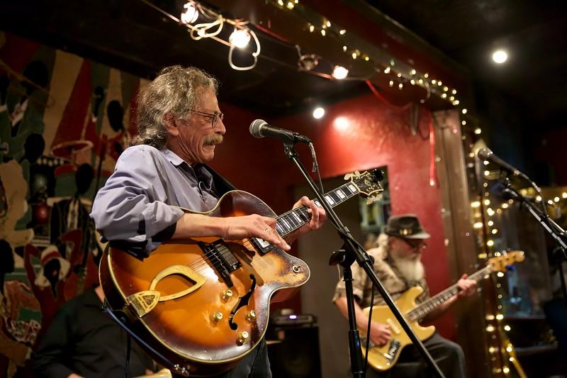Johnny Guitar Knox memorial2019-01-20 (8).jpg