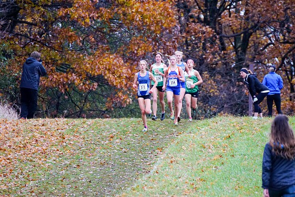Girls Race Other Teams