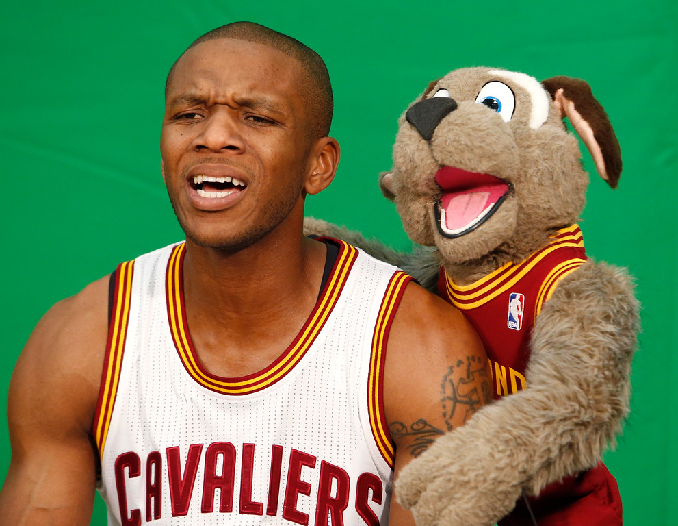 . Cleveland Cavaliers guard James Jones films a scoreboard segment during the NBA basketball team\'s media day, Monday, Sept. 26, 2016, in Independence, Ohio. (AP Photo/Ron Schwane)