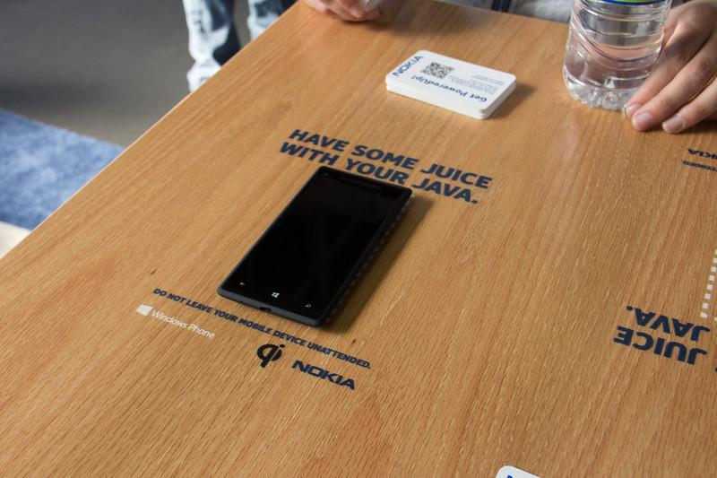 Nokia Qi Charging Table.jpg