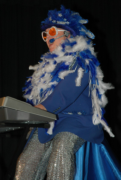 Phil aka Elton.JPG