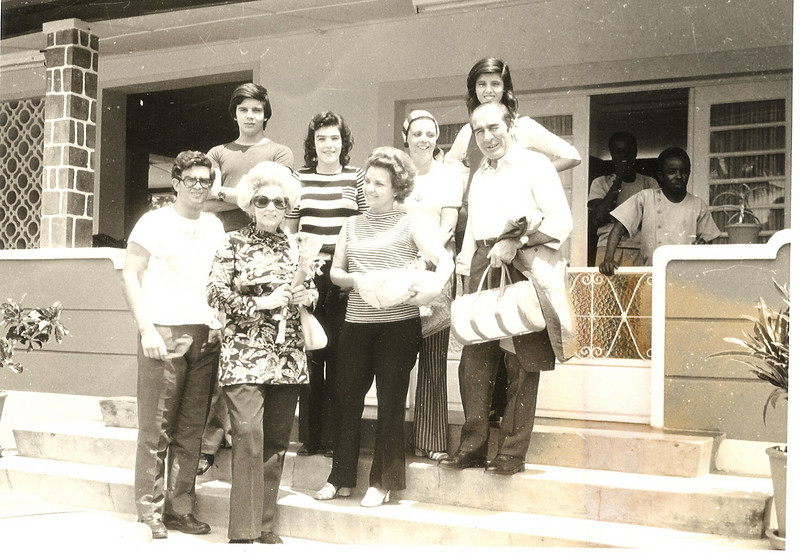 K-10 - Casa dos Santos David Mário e Mª. João Santos David, Isabel, Cenoura e Jorge Viegas casal Francisco e Ricardina Neto e a filha Isabel