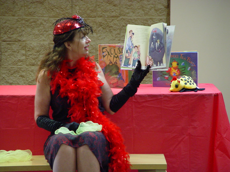 Miss Spider reading a story.jpg