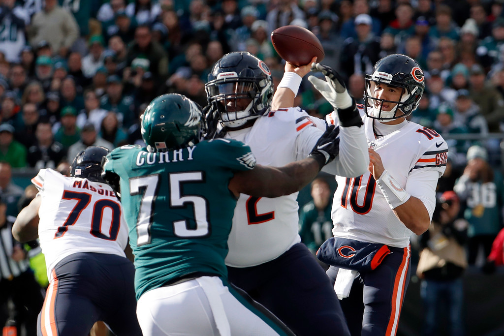 . Chicago Bears quarterback Mitchell Trubisky passes during the first half of an NFL football game against the Philadelphia Eagles, Sunday, Nov. 26, 2017, in Philadelphia. (AP Photo/Chris Szagola)