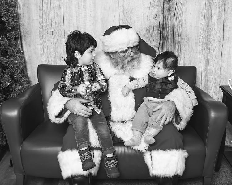 Ameriprise-Santa-Visit-181202-4997-BW.jpg