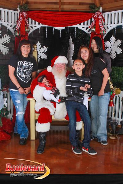 Santa 12-10-16-279.jpg