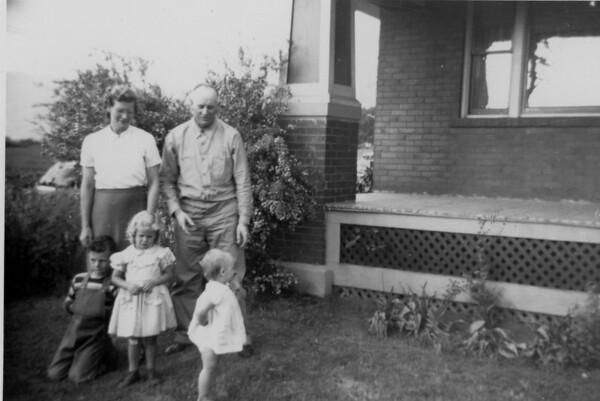 Neva Gwynn Larkin Family Picts