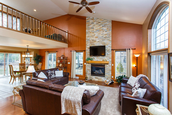 3149 Lakeview Dr Suamico WI