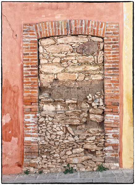 Sealed Door in Pozos