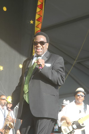 Al Green at Congo Square New Orleans Jazz & Heritage Festival April 29 2012