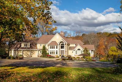 Real Estate: 17 Blackhawk rd Trumbull CT