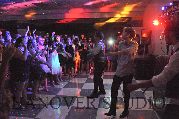 16 LHS HMCMNG DANCE