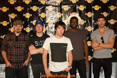 2013-08-06 - Mix100 - Plain White Ts  MeetnGreet