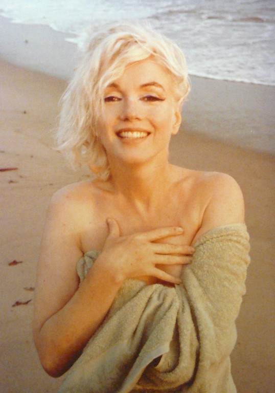 . Marilyn Monroe, from the Last Photos, original  photograph, signed,1962, Andrew Weiss Gallery, copyright George  Barris/Edward Weston Collection.  (PRNewsFoto/Andrew Weiss Gallery)
