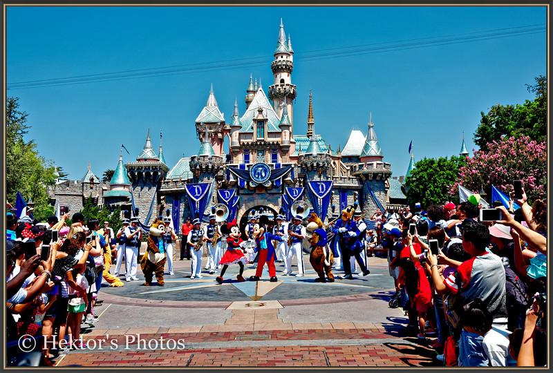 Disneyland Leica Q-10.jpg