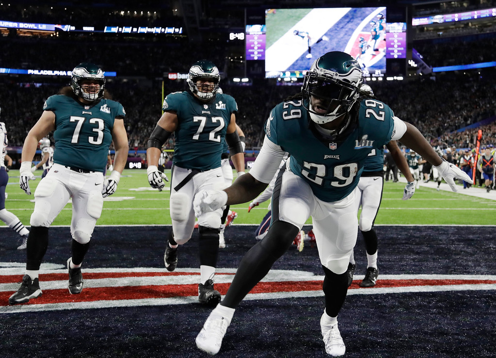 . Philadelphia Eagles running back LeGarrette Blount (29) celebrates in the end zone after scoring a touchdown, during the first half of the NFL Super Bowl 52 football game against the New England Patriots, Sunday, Feb. 4, 2018, in Minneapolis. (AP Photo/Chris O\'Meara)