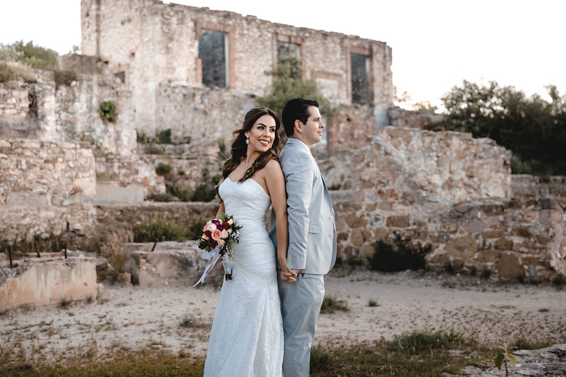 P&H Trash the Dress (Mineral de Pozos, Guanajuato )-64.jpg