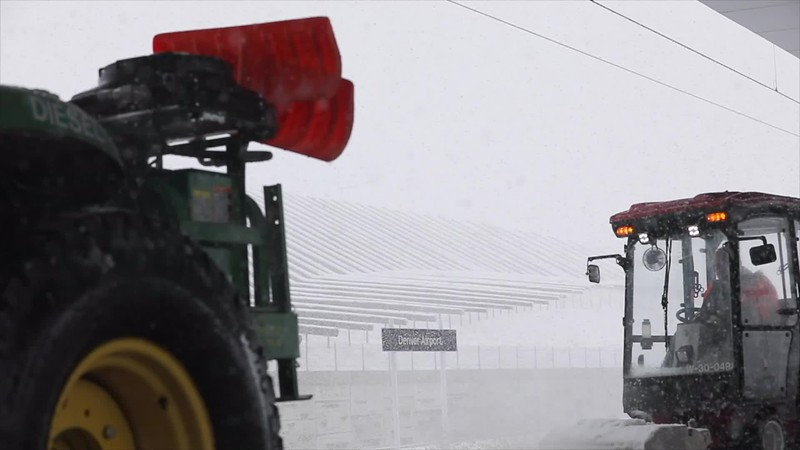 031920-DEN_winter_SNOW_TRACTOR_slow_motion-106.mp4