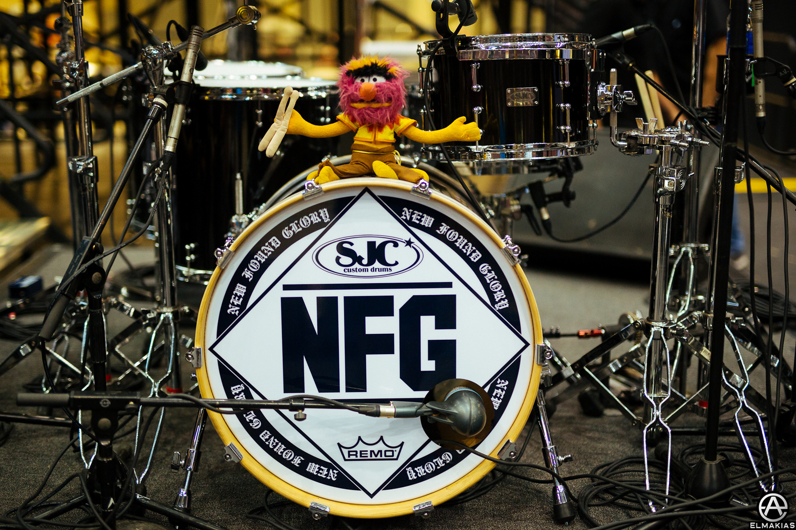 New Found Glory's drumset at the APMAs