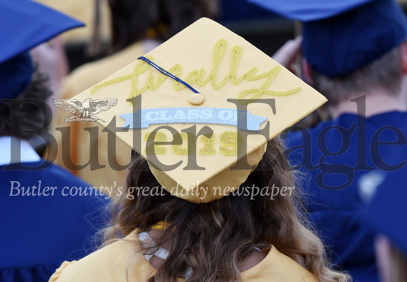 Harold Aughton/Butler Eagle: Knoch graduate Vanessa Robb decorated her cap to mark the occassion.