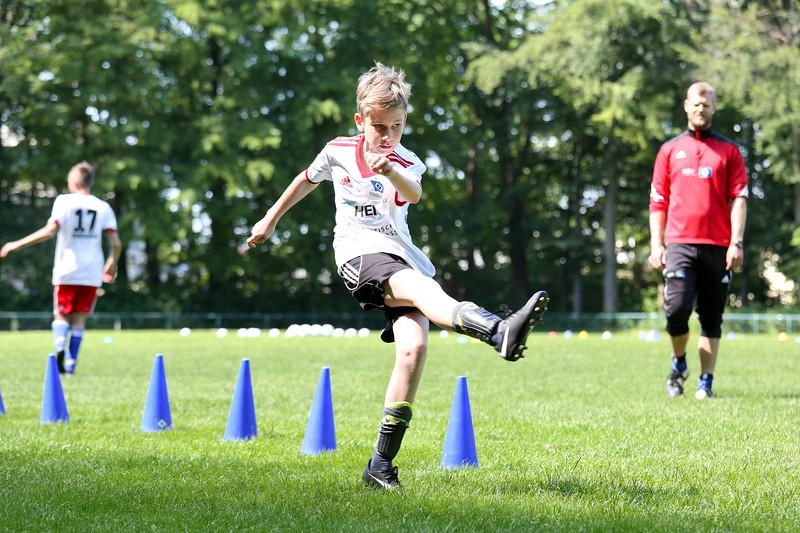 hsv_fussballschule-365_48048035462_o.jpg