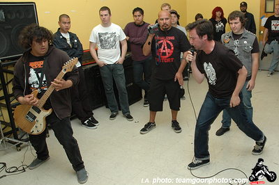 Street Trash - Harpoon Guns - Broken Needle - Fed Up and The Valoids - at an old rec center/school/hospital - September 29, 2007 - Pomona, CA