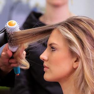 91220 Bride hairbrushing  touching or longer then shoulder