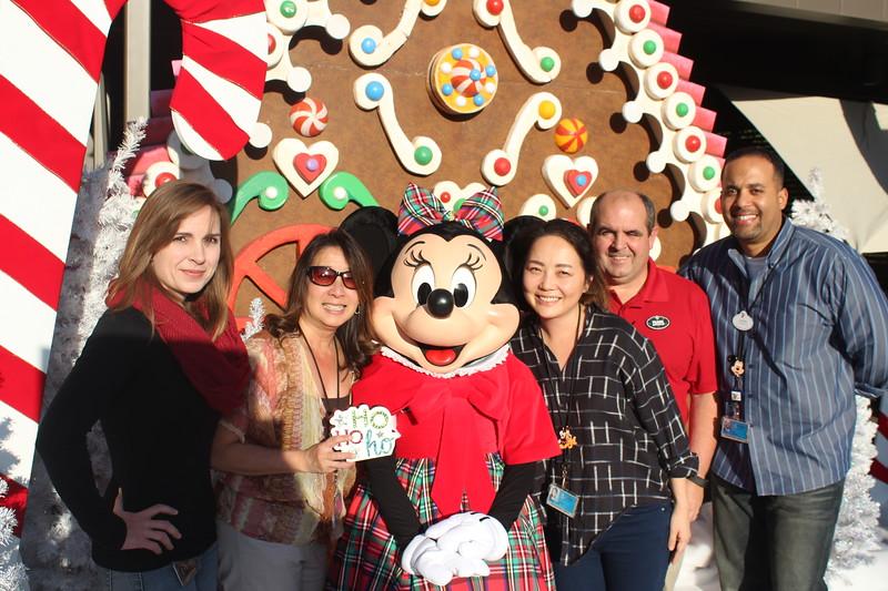 Walt_Disney_Imagineering_Holiday_2017_Individuals_ (29).JPG