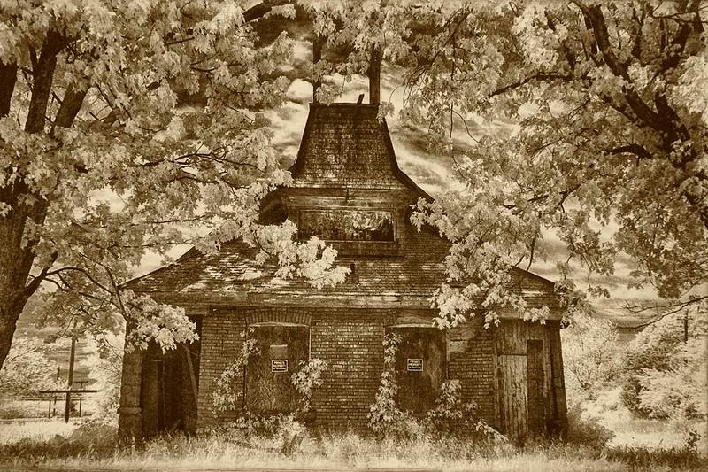 Schoolhouse 2014.jpg