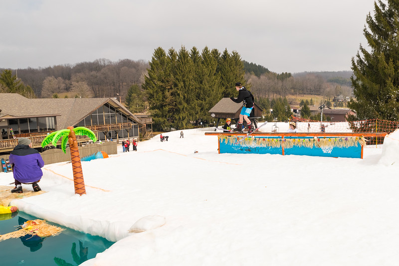 Pool-Party-Jam-2015_Snow-Trails-930.jpg