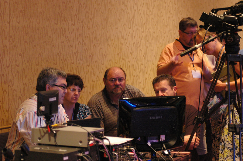 "Len Mason, Senior Web Developer, ELCA Communication Services, presenting the ""Webcasting for Any Budget"" workshop"