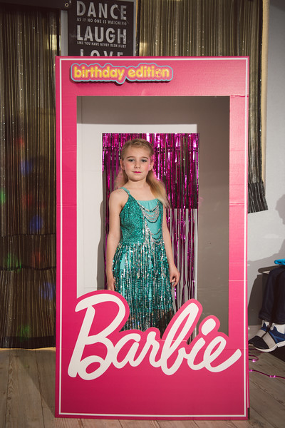 2020-0104-delaney-barbie-party-38.jpg