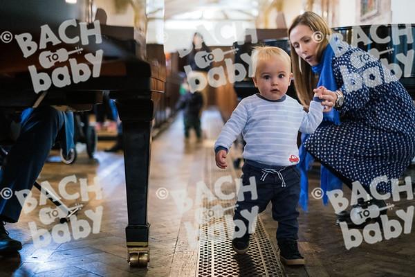 © Bach to Baby 2019_Alejandro Tamagno_St Johns Wood_2019-10-04 026.jpg