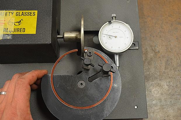 motorized piston ring gap grinder