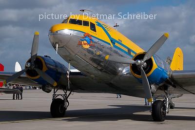9Q-CUK Douglas DC3