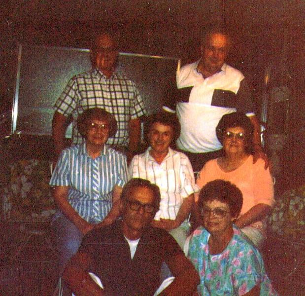 Wayne,Jack,Bonnie,Bette,Joeanne,tom, Maudie .jpg