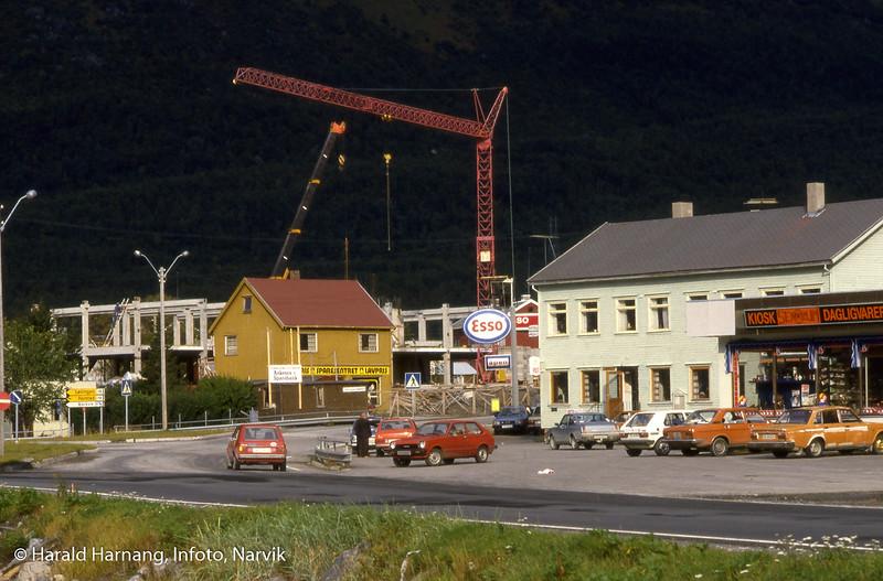 Bjerkvik, Thunebygget under reising.