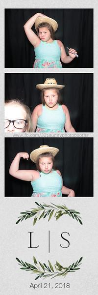 ELP0421 Lauren & Stephen wedding photobooth 19.jpg